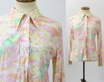 1970s Shirt Nylon Blouse Novelty People Print Women's Top Pastel Pink Button Pointy Collar Silky Lightweight Vintage 70s Long Sleeve