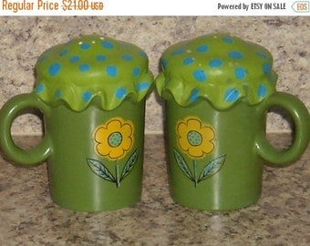 Shop Closing Sale Vintage Salt Pepper Shakers Handpainted Green 1960s