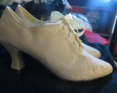Victorian style vintage 80s  off white w yellow floral corset style  , lace up booties.sz 8 1/2