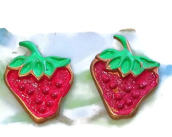 Vintage Strawberry Cabochons, Strawberries Avon Findings Enamel Berry NOS Berry stampings, Strawberry findings, Steampunk supplies  #1462FC