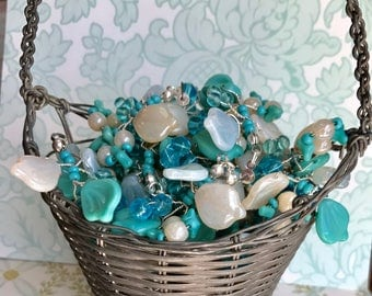 2 Vintage Glass Bouquet,Wired Glass Flower Drops,Glass Flower Bouquet,Aqua Flowers and leaves,Embellishment flower Cluster Jewelry. #464A