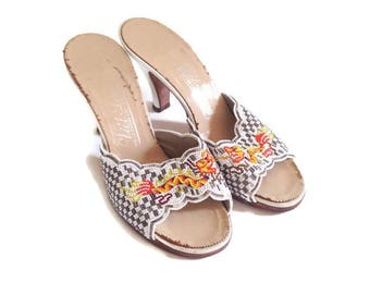 Vintage 1960's beaded Heels, Leather Peep Toe, shoes, Mules,  Dragon Design, asian