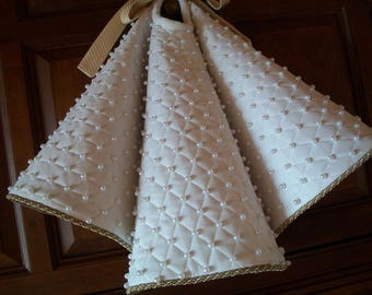 """28""""Apartment or Table Top White Pearl Beaded Stunning Reversible Christmas Tree Skirt 2016 Collection"""