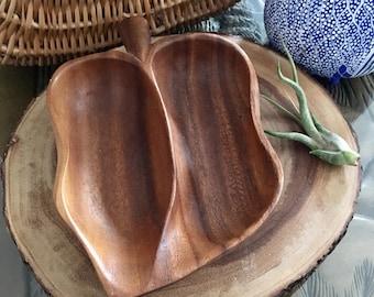 Vintage Monkey Pod Wood Bowl // Wood Dish // Leaf Dish