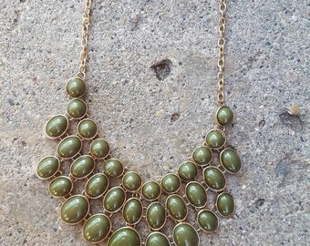Necklace, Vintage Jade Green Necklace, Chunky Necklace, Women's necklace,  green gold necklace, Vintage necklace, Chunky vintage necklace