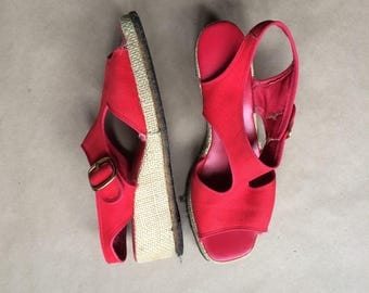 vintage 70's red cut out canvas wedges / t strap sandal / womens shoes / garden club / retro minamal