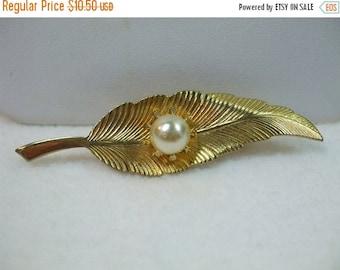 SALE 50% OFF Vintage Faux Pearl and Leaf Goldtone Brooch