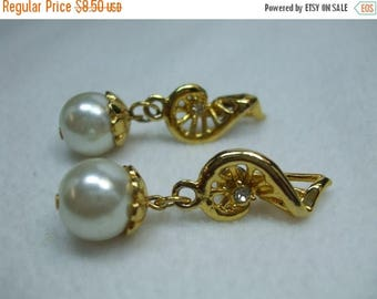 """SALE 50% OFF Vintage Faux pearl round pearl and rhinestone musical note pierced earrings 2"""" goldtone"""