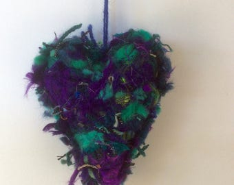 PURPLE GREEN TEXTILE Heart, on a felted base yarns fabric sari silk have been added