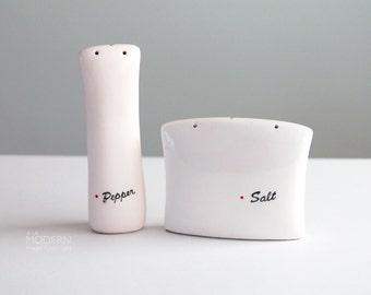 Modern Japanese Red Dot Salt and Pepper Shakers in Freeman Lederman Kenji Fujita Style