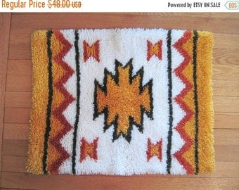 20% OFF SALE 1970s Bohemian Shag Area Rug -  vintage Tribal doormat, Native American Inspired bath mat - Orange, Brown, and White