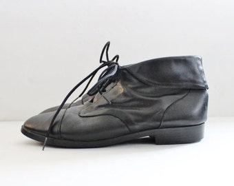 50% half off sale // Vintage Ankle Granny Pixie Black Leather Boots // Women 7M // Prima Royale