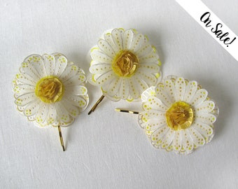 Three daisy hair pins - white and gold handpainted silk daisies - hair bobby pins - ***Item on sale*** Previous price : 34 EUR