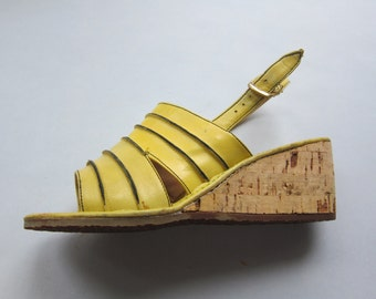 Vintage 1970s Yellow Wedge Sandals / 60s 70s Open Toe Summer Slingback Shoes / Size 6