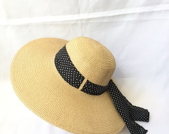 Adjustable Lady Straw Sun Hat 4.6inch brim with black polkadot