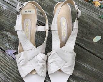 NOS Vintage 80s Sandal / Nude Leather Sandal Size 5 1/2 B / QualiCraft Shoe