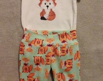 Infant Onesie and Yoga Pants with Baby Fox applique Size 6 months