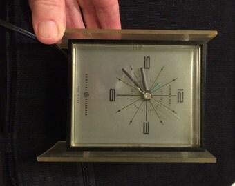 Vintage Electric Alarm Clock MOD Look 60's-70's Lucite Tic Toc Clock Model 7351K Retro Decor Retro Desk Decor