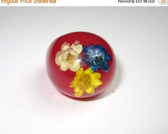 On Sale Vintage 1960'S Red Ring NOS HIPPIE Dome Flower Plastic lucite ring Boho New old Stock