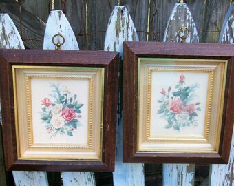 Vintage Pair of Floral Bouquet Prints in Wood Frames