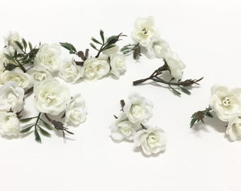 24 CREAM WHITE Mini Roses On Short Stems - Small Flowers - Artificial Flowers, Silk Flowers, Flower Crown, Mllinery, Wedding, Corsage, Hat