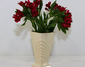 Vintage Ivory Art Deco McCoy Vase