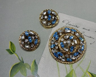 Blue Openwork Round Brooch and Clip On Earrings Set.   NDQ19