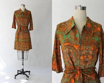 1960s Paisley Print Belted Dress // 60s Vintage Short Half Sleeve Zip Up  Dress // Medium