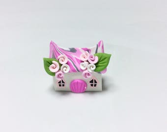 Miniature fairy cottage in pink handmade from polymer clay