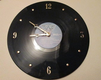 Waylon 33 Record Clock