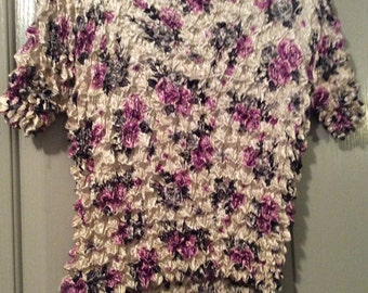 Satin SILKY SOFTpopcorn texture blouse top  sh slv stretchy/lavender floral stretches NWOT top silky soft.
