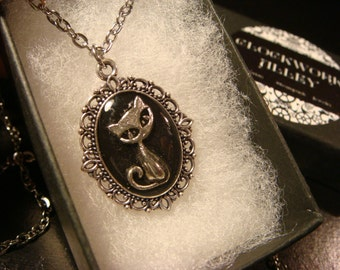 Small Cat Necklace -Antique Silver  (2256)