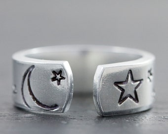 Crescent Moon Ring - Moon and Star Ring - Custom Engraved Ring - Personalized Friend Gift - Moon Ring - Personalized Hand Stamped Cuff Ring