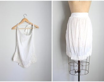 Edwardian batiste apron - antique apron / soft white cotton apron / Victorian whites - antique half apron with crochet trim