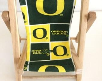 University of Oregon Ducks Team Logo Cell Phone Chairs Mamakohawaii