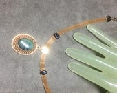 "Vintage 13"" Goldtone 1/4"" Mesh Wide Green Stone Pendant Single Strand Necklace"