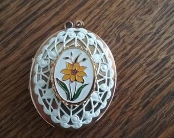 Vintage locket enamel flower 60s 70s gold tone filigree necklace