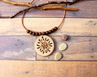 Wood necklace round flower nature lovers