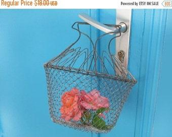 Vintage French  wire fruits basket, eggs basket, original shaped mid century, folding basket