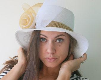 Vintage THE DERBY Hat..wedding hat. church. felt. new york. easter. wedding. bride. costume. ribbon. lace. tulle. 1960s hat.golden. hepburn