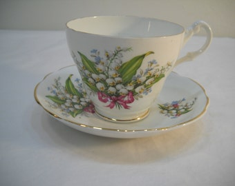 Royal Ascot Bone China Tea Cup & Saucer Bell Floral Design Made in England FREE SHIPPING