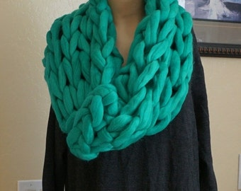 CHRISTMAS SALE Super Chunky infinity scarf, knitted scarf, cowl, snood, chunky scarves, knit scarf, Circle Scarf, Christmas Gifts for her, B