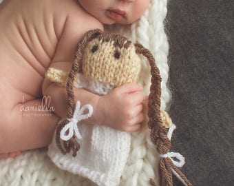 Little Knit Doll for Photography Prop // Different Skin and Hair Colours //