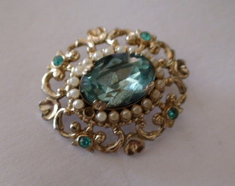 Vintage 1940's Stunning Coro Aquamarine Stone, Pearl Border Brooch, Pinback, Marked