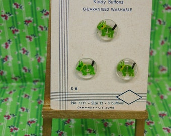 "Vintage Realistic ""Kiddy Buttons"" on Exquisit card, Green Dog Under Dome"