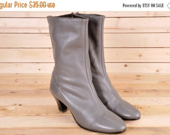 20%Off Short Grey Boot Size 7M