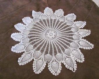 "Doily Handmade Vintage Crocheted Doily 14"" Inch Round Star (#17B)"