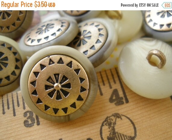 "Lot of Cool Flower Buttons -12 embossed metal & plastic jacket flower shank style buttons size 32L (13/16"" 20MM) gold brass color embossed"