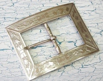 Rectangle Belt Buckle  Silvertone with Tulips