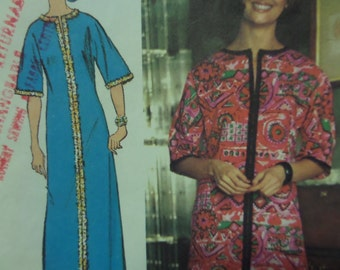 PULLOVER CAFTAN Pattern • Simplicity 5740 • Miss 12-14 • Kimono Sleeves • Mod Caftan • Sewing Patterns • Vintage Patterns • WhiletheCatNaps